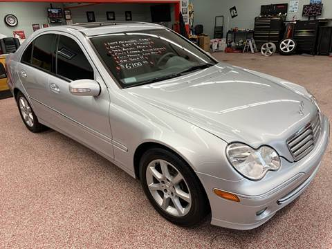 2007 Mercedes-Benz C-Class for sale at PETE'S AUTO SALES - Middletown in Middletown OH