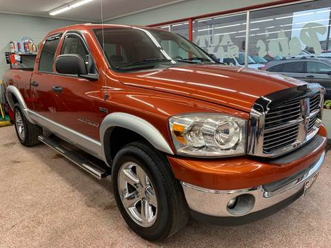2007 Dodge Ram Pickup 1500 for sale at PETE'S AUTO SALES - Middletown in Middletown OH