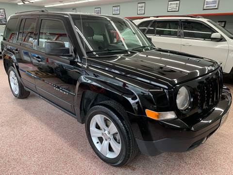 2014 Jeep Patriot for sale at PETE'S AUTO SALES - Middletown in Middletown OH