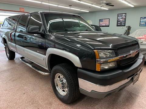 2003 Chevrolet Silverado 2500HD for sale at PETE'S AUTO SALES - Middletown in Middletown OH