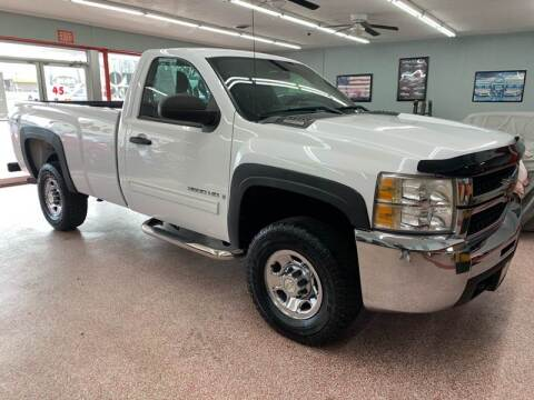 2009 Chevrolet Silverado 2500HD for sale at PETE'S AUTO SALES - Middletown in Middletown OH