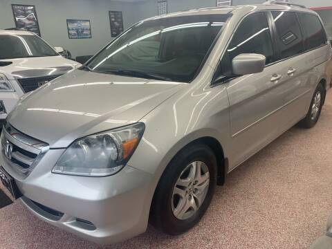 2006 Honda Odyssey for sale at PETE'S AUTO SALES - Middletown in Middletown OH