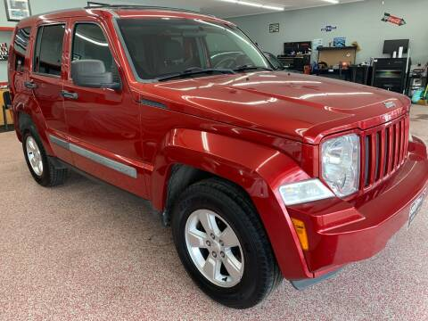 2010 Jeep Liberty for sale at PETE'S AUTO SALES - Middletown in Middletown OH