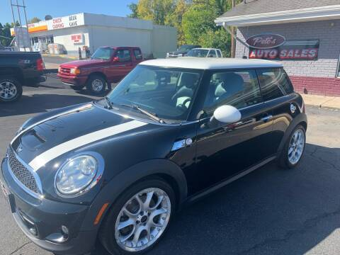 2011 MINI Cooper for sale at PETE'S AUTO SALES - Middletown in Middletown OH