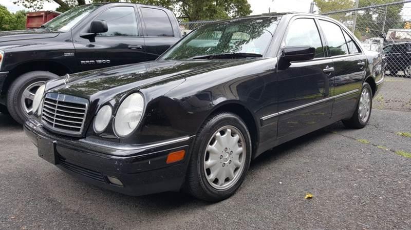 1999 Mercedes Benz E Class E300TD 4dr E300DT Turbodiesel Sedan