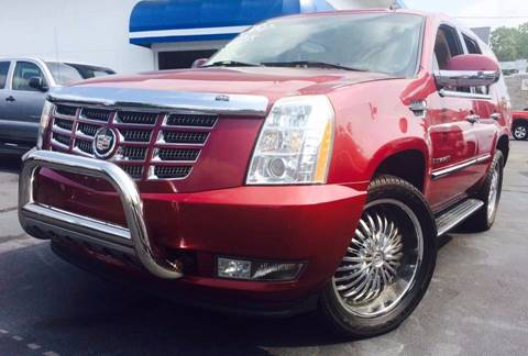 2007 Cadillac Escalade for sale at Deluxe Auto Sales Inc in Ludlow MA