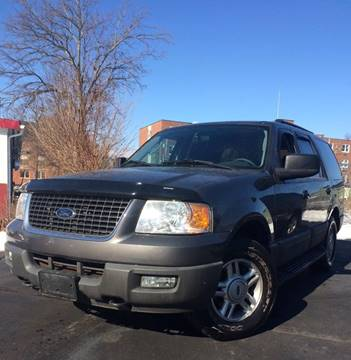 2005 Ford Expedition for sale at Deluxe Auto Sales Inc in Ludlow MA