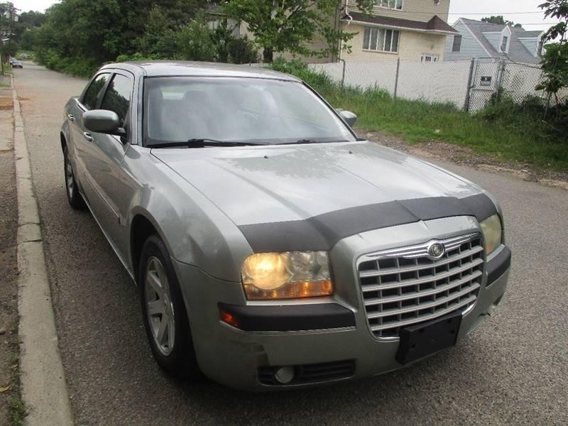 2005 Chrysler 300 Touring 4dr Sedan - Hasbrouck Heights NJ