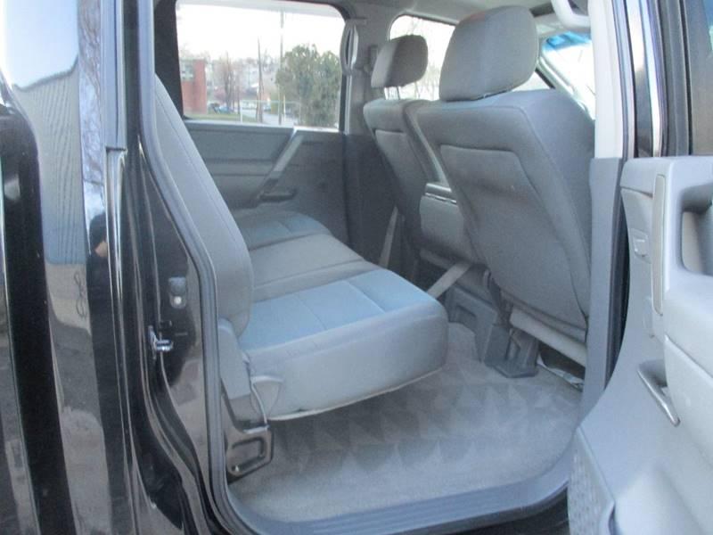 2005 Nissan Titan 4dr Crew Cab XE 4WD SB - Hasbrouck Heights NJ