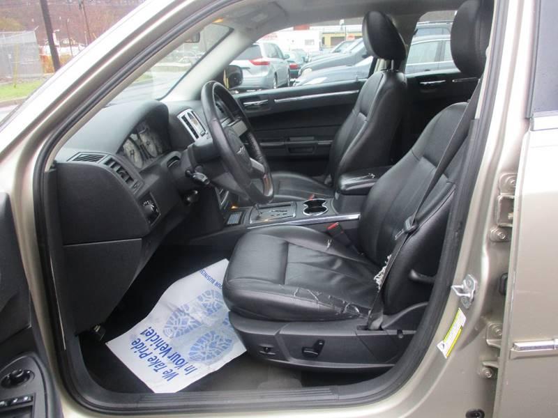 2008 Chrysler 300 AWD Touring 4dr Sedan - Hasbrouck Heights NJ