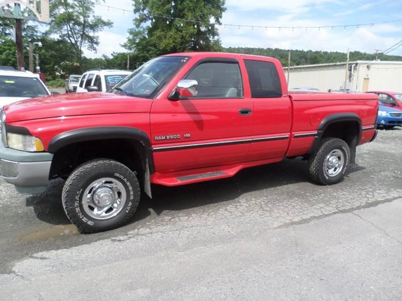 1997 Dodge Ram Pickup 2500 2dr Laramie SLT 4WD Extended Cab