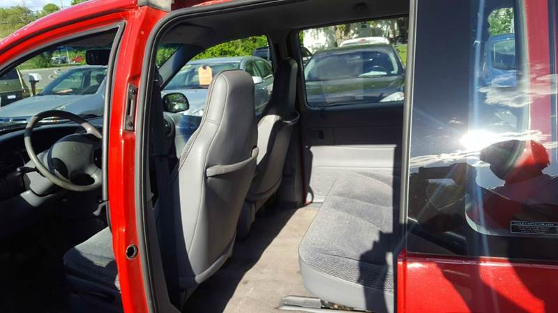 1997 Plymouth Voyager 3dr Mini-Van - Liberty MO
