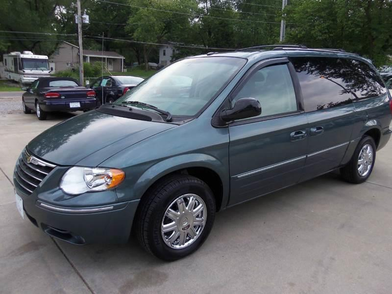 2007 Chrysler Town and Country Limited 4dr Extended Mini-Van - Liberty MO