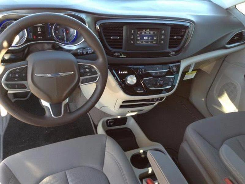 2017 Chrysler Pacifica LX 4dr Mini-Van - Brooklyn NY