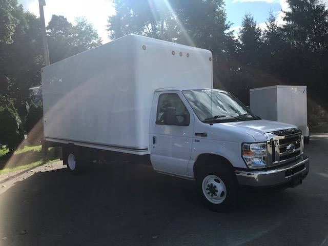 2016 Ford E-Series Chassis E-450 SD In Butler PA