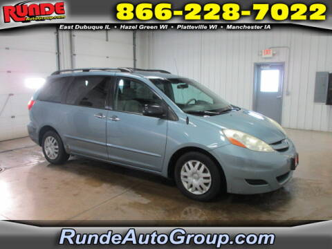 2008 Toyota Sienna for sale at Runde Chevrolet in East Dubuque IL