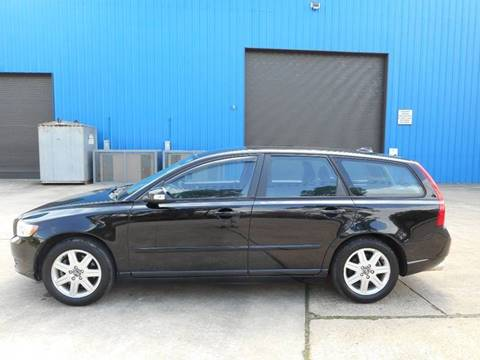 2010 Volvo V50 for sale at Discount Auto Mart LLC in Houston TX