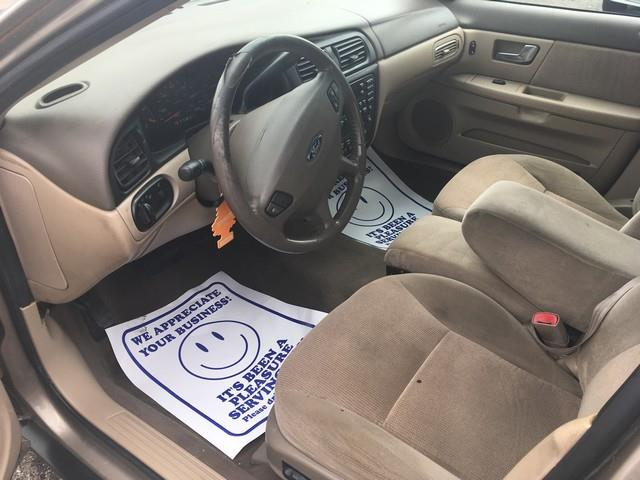 2002 Ford Taurus for sale at Paramount Motors in Taylor MI