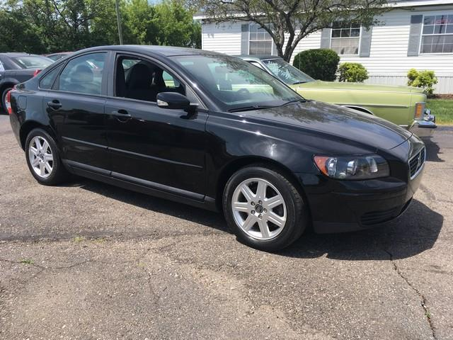 2006 VOLVO S40 24I 4DR SEDAN black moon roof fwd 40000 miles automatic clean air condition