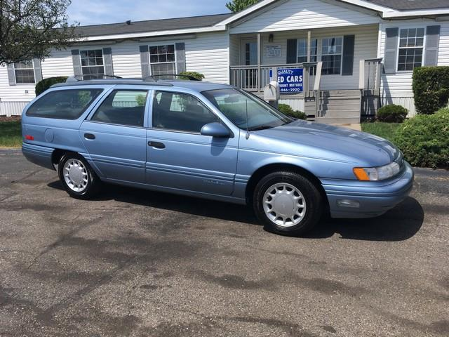 1992 Ford Taurus for sale at Paramount Motors in Taylor MI