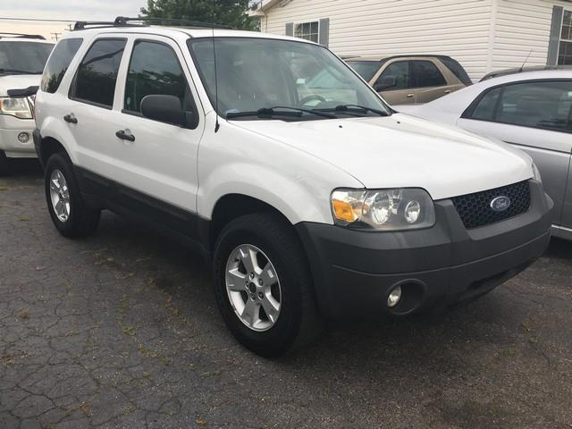 2007 Ford Escape for sale at Paramount Motors in Taylor MI