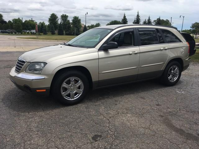 2005 Chrysler Pacifica for sale at Paramount Motors in Taylor MI