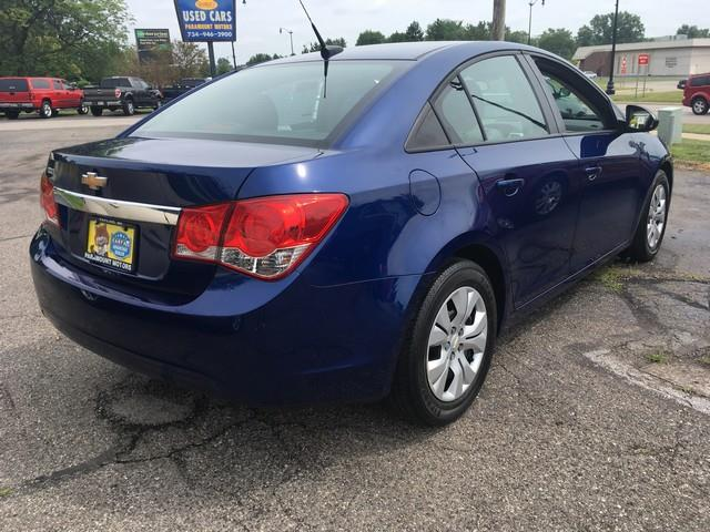2013 Chevrolet Cruze for sale at Paramount Motors in Taylor MI
