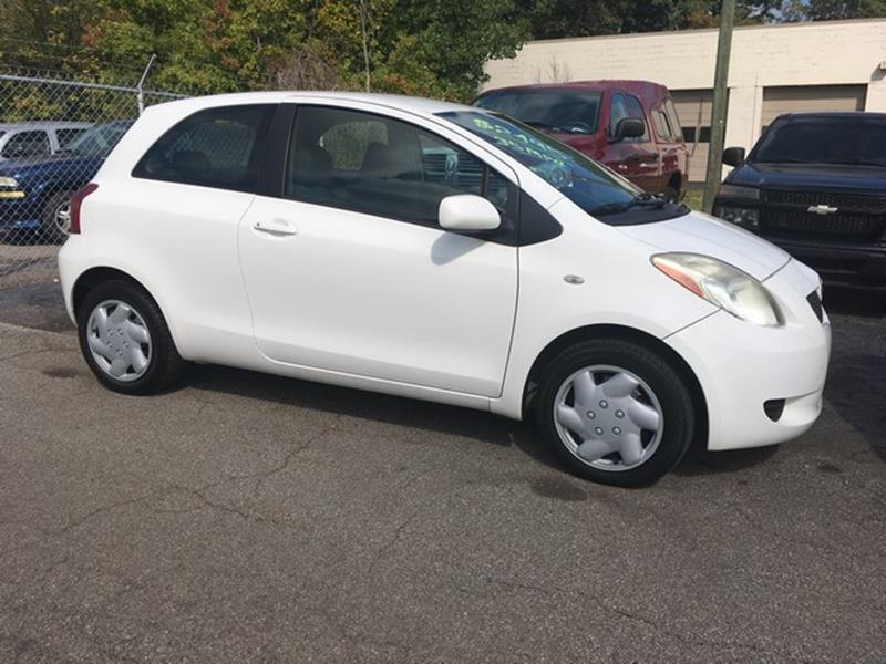 2007 TOYOTA YARIS BASE 2DR HATCHBACK 15L I4 4A white air conditioning power brakes power ste