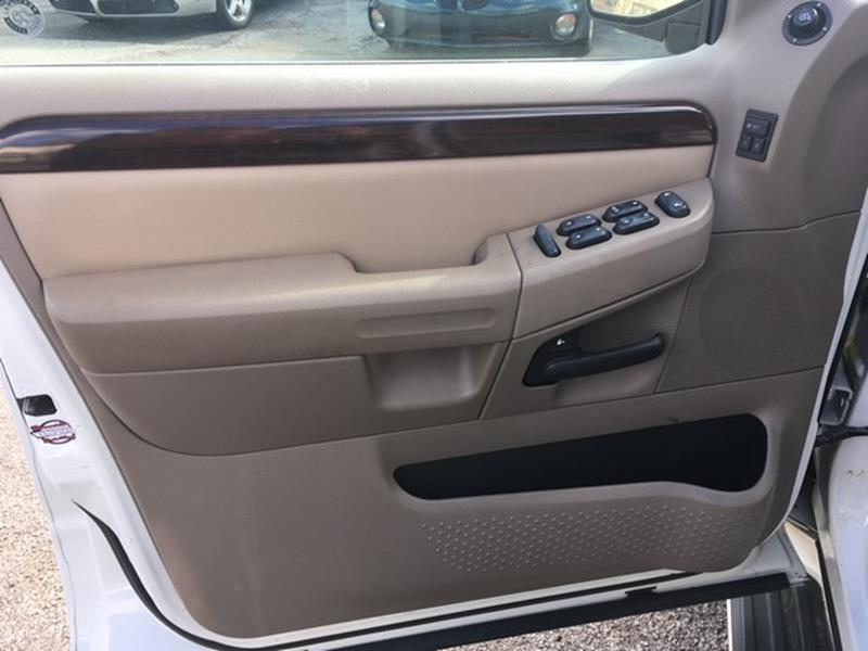 2004 Ford Explorer for sale at Paramount Motors in Taylor MI