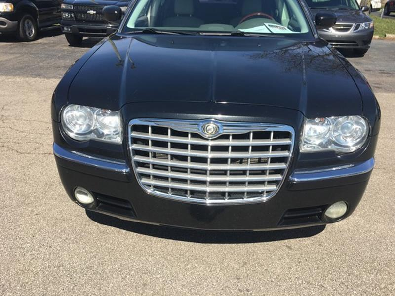 2008 Chrysler 300 for sale at Paramount Motors in Taylor MI