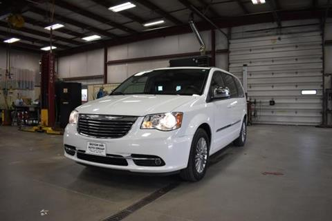 2013 Chrysler Town and Country for sale in Spirit Lake, IA