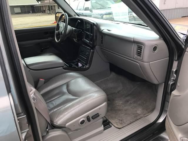 2005 GMC Yukon AWD Denali 4dr SUV - Victoria TX