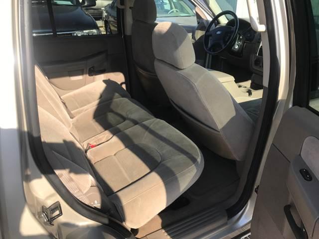 2005 Ford Explorer 4dr XLT 4WD SUV - Victoria TX