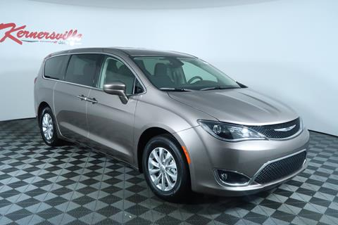 2018 Chrysler Pacifica for sale in Kernersville, NC