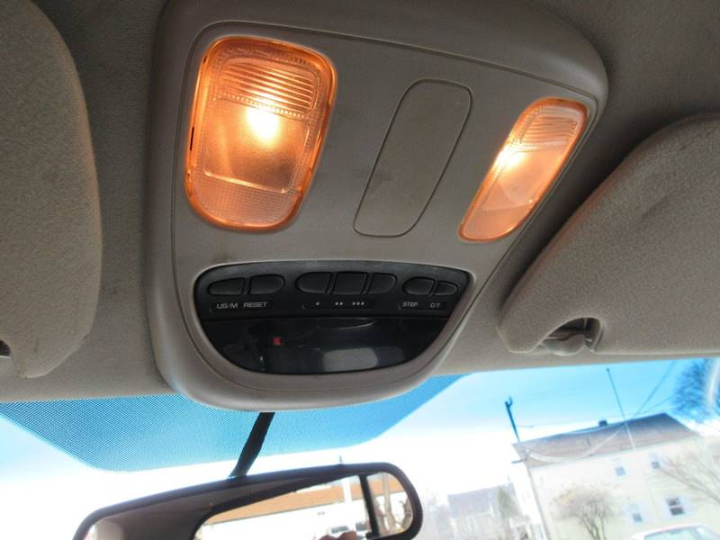 2004 Dodge Ram Pickup 1500 2dr Regular Cab SLT 4WD SB - Plainville CT