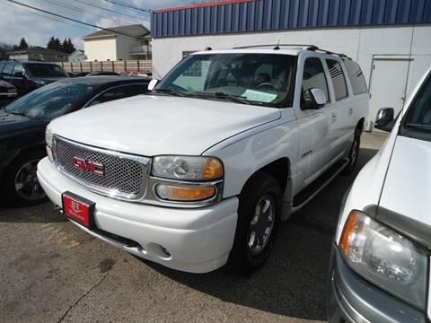 2004 GMC Yukon XL for sale in Racine, WI