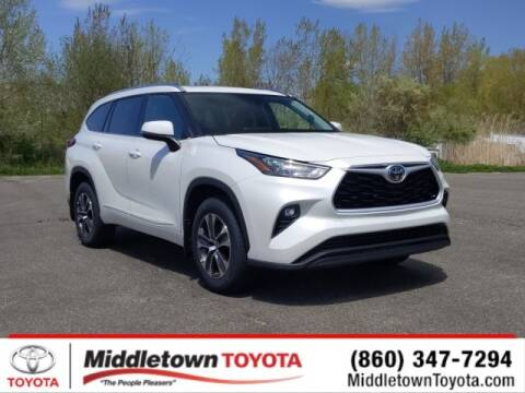 2020 Toyota Highlander XLE for sale at MIDDLETOWN TOYOTA in Middletown CT