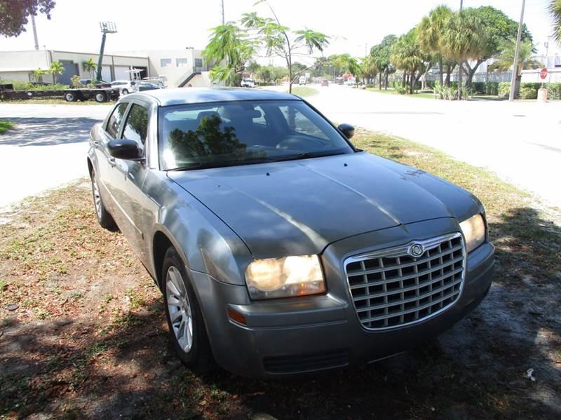 2007 Chrysler 300 4dr Sedan - Fort Lauderdale FL