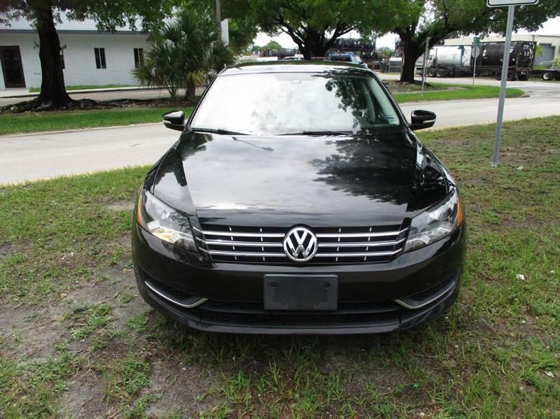 2013 Volkswagen Passat SE 4dr Sedan 6A - Fort Lauderdale FL