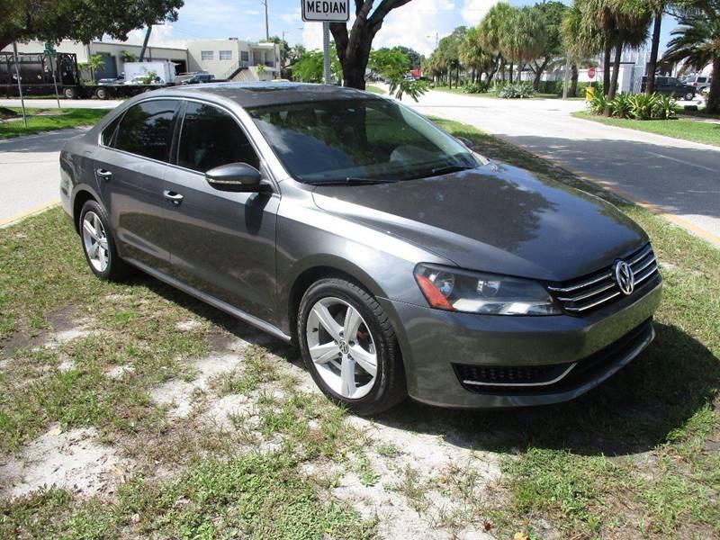 2012 Volkswagen Passat SE 4dr Sedan 6A - Fort Lauderdale FL