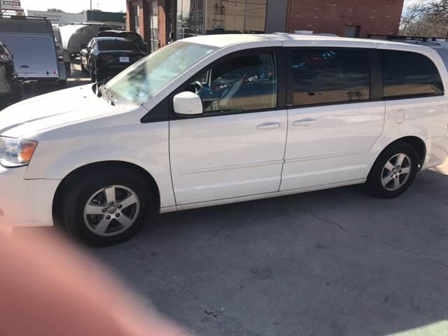 2013 Dodge Grand Caravan SXT 4dr Mini-Van - Burnet TX