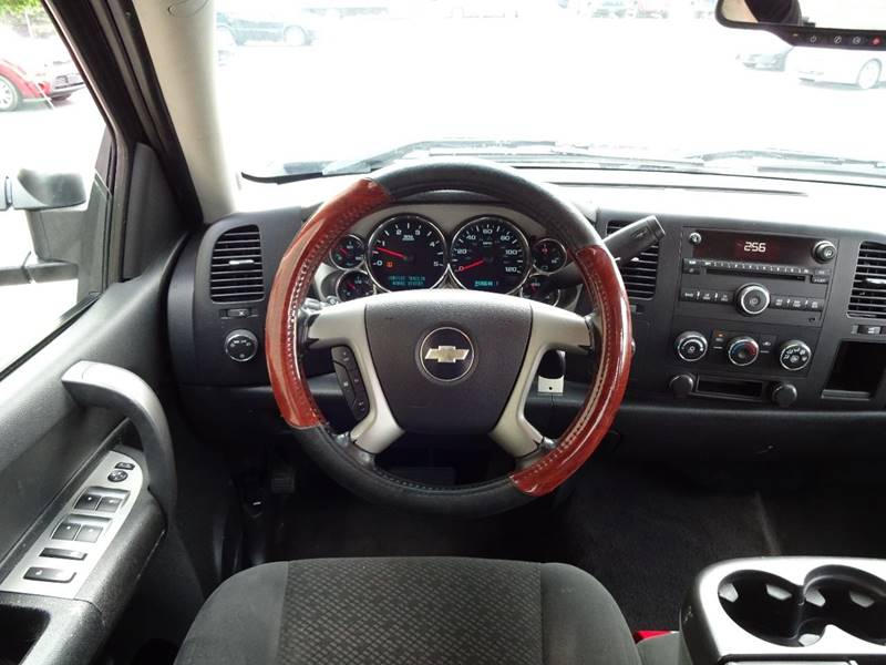 2008 Chevrolet Silverado 2500HD 4WD LT1 4dr Crew Cab SB - Crystal MN