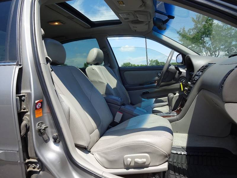 2001 Nissan Maxima GXE 4dr Sedan - Crystal MN