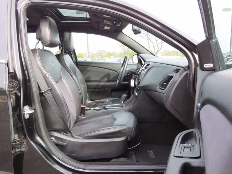 2011 Chrysler 200 S 4dr Sedan - Crystal MN