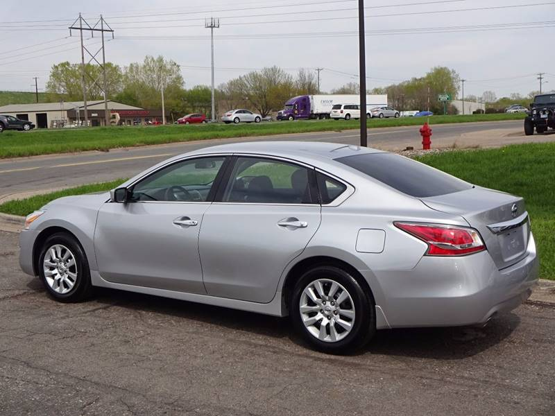 2015 Nissan Altima 2.5 S 4dr Sedan - Burnsville MN