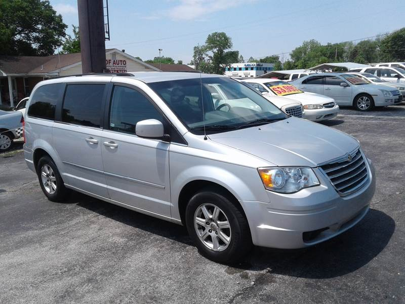 2010 Chrysler Town And Country Touring 4dr Mini Van In St Charles