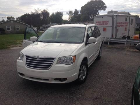 2010 Chrysler Town and Country for sale in Shelbyville, IN
