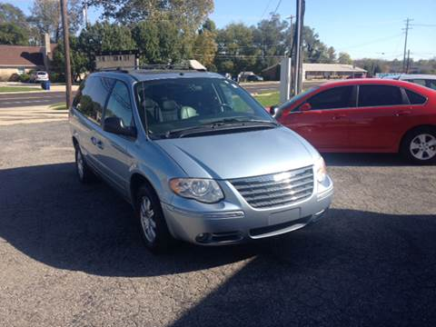 2006 Chrysler Town and Country for sale in Shelbyville, IN