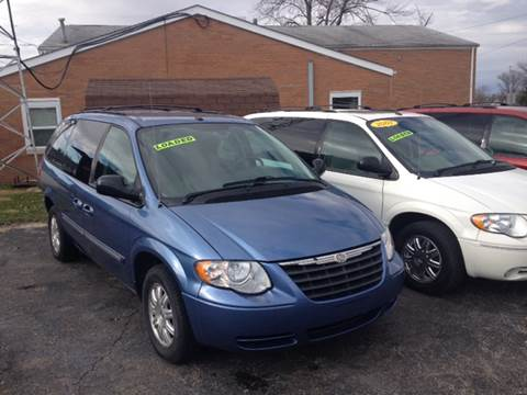 2007 Chrysler Town and Country for sale in Shelbyville, IN