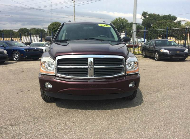 2005 Dodge Durango  Miles 131680Color Burgundy Stock 423F VIN 1D4HB48D65F505124